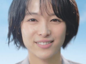アクエリアスクリアウォーターCM女優